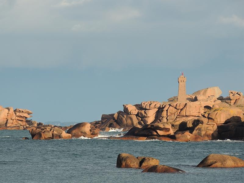Ploumanac'h phare et granit rose © Gite Les 3 Voiles