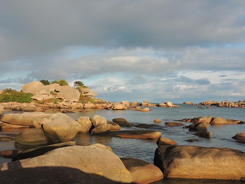 Ploumanac'h Ile Renote et granit rose © Gite Les 3 Voiles