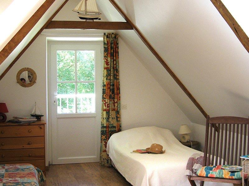 La chambre 2 et son petit balcon © Gite Les 3 Voiles
