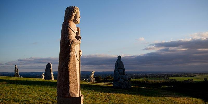Statues de granite © Vallée des Saints